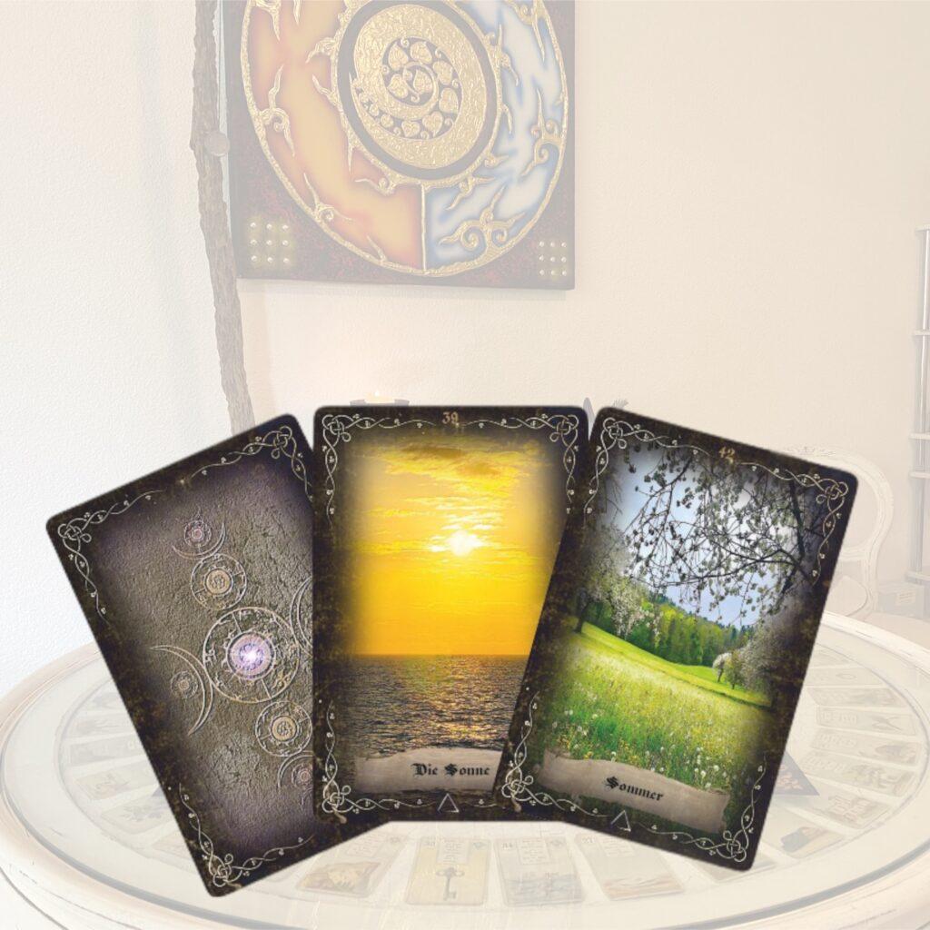 Kartenlegen Tarot Lenormand spirituelle Beratung Tarotkarten Lenormandkarten Orakelkarten Orakel